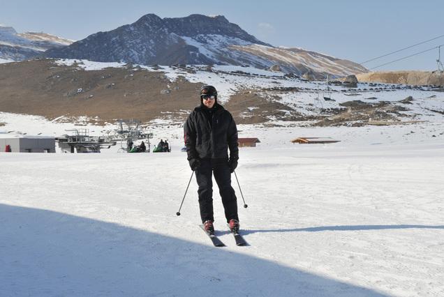 Президент Ильхам Алиев и его супруга Мехрибан Алиева приняли участие в открытии канатной дороги номер 1 и горнолыжного спуска зимне-летнего туристического комплекса «Шахдаг»